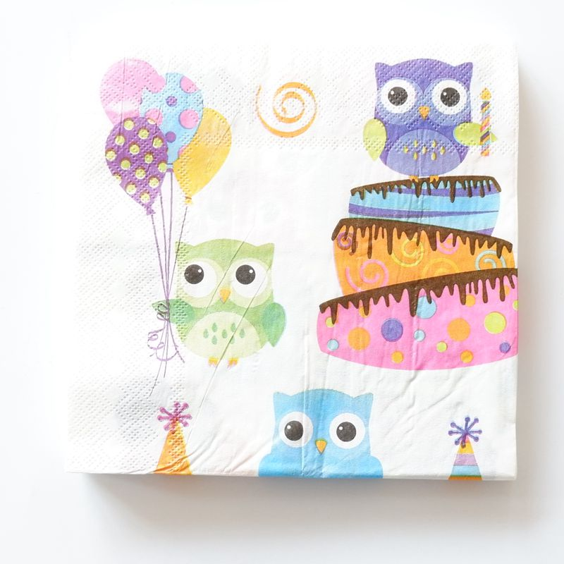 winter 4 Single paper decoupage napkins.Owl family owls gold -660 forest