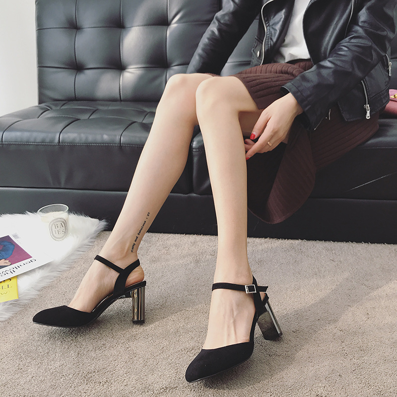 2018 autumn new fashion simple thick with solid color high heels women retro wild thick with buckle buckle casual shoes. 2