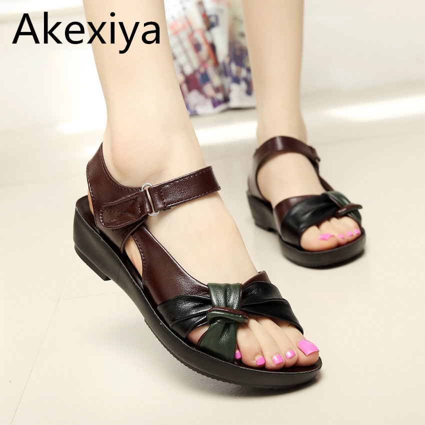 Akexiya 2017 summer shoes flat sandals women aged leather flat with mixed colors fashion sandals comfortable