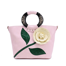 New 2017 Women Large Flower Vintage    Shoulder   Handbags  Female National elegant  Solid Totes   Lady Hand Bags