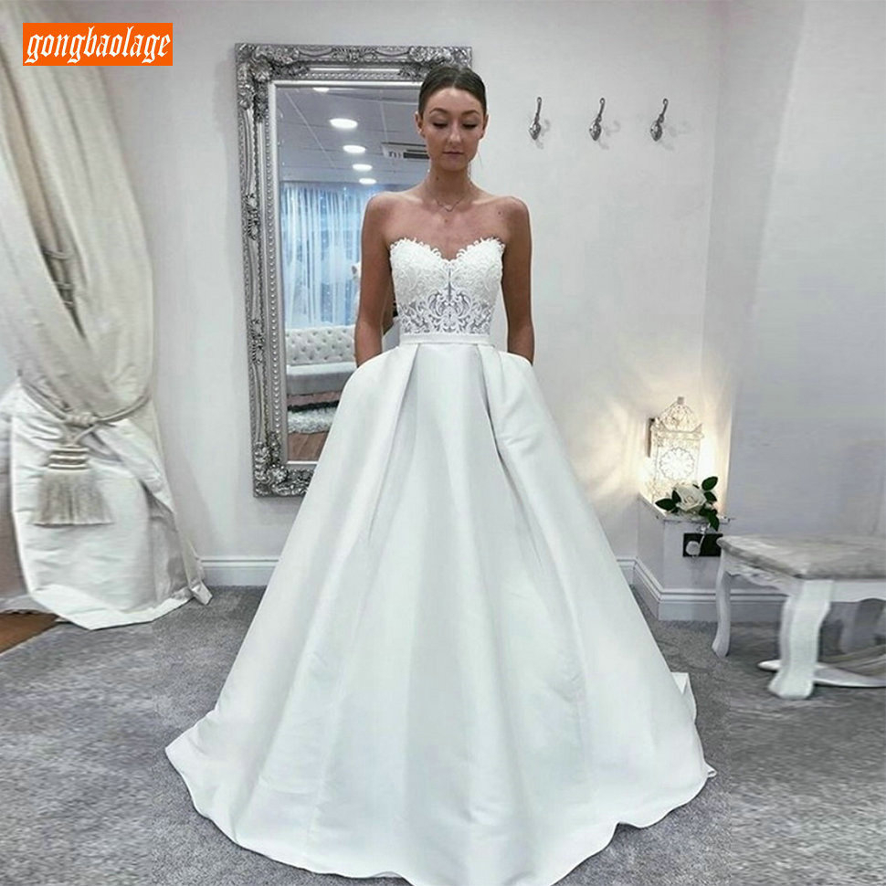 Gorgeous Princess A-line Wedding Dress Long Slim Fit Sweetheart Appliques Lace Bridal Dresses White Satin Pockets Wedding Gowns