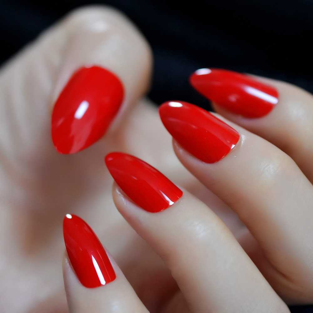 China Rode Klassieke Stiletto Nagels Fake UV Gel Polish Shiny Vingernagels Druk Op Glossy 24CT