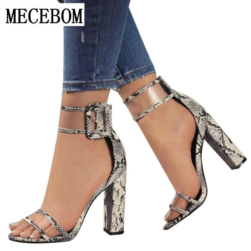 2384a068b0 Sapatas Das Mulheres Sapatos de Verão T-stage Dança Sandálias de Salto Alto  Da Moda Sexy Stiletto Partido Sapatos de Casamento bege Branco Preto 2258 W