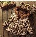 2016 nova Outono Inverno Casual brasão Casacos crianças 2-6 anos de idade do bebê da menina Com Capuz Crianças Roupas de leopardo bebê casaco quente