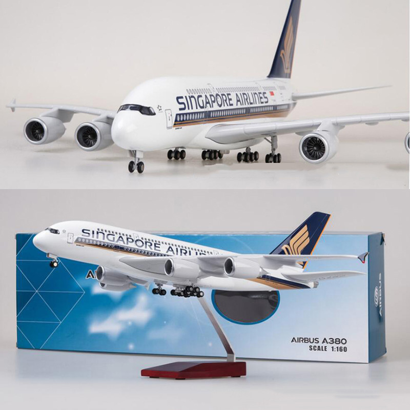 1/160 Scale 50.5CM Airplane Airbus A380 Singapore Airline Model W Light And Wheel Diecast Plastic Resin Plane For Collection