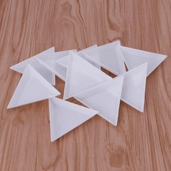цены 10Pcs Plastic Triangle Rhinestones Beads Crystal Nail Art Sorting Trays White