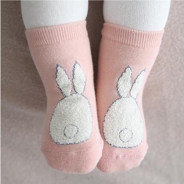 W147 livraison gratuite automne et hiver nouvelles chaussettes bébé hommes et femmes bébé en peluche lapin dessin animé petites chaussettes chaussettes en coton confortables