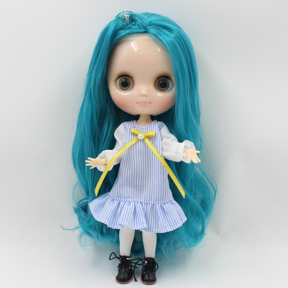 Middie Blythe Doll Blue Dress With Knot Bow Ribbon Stocking 2