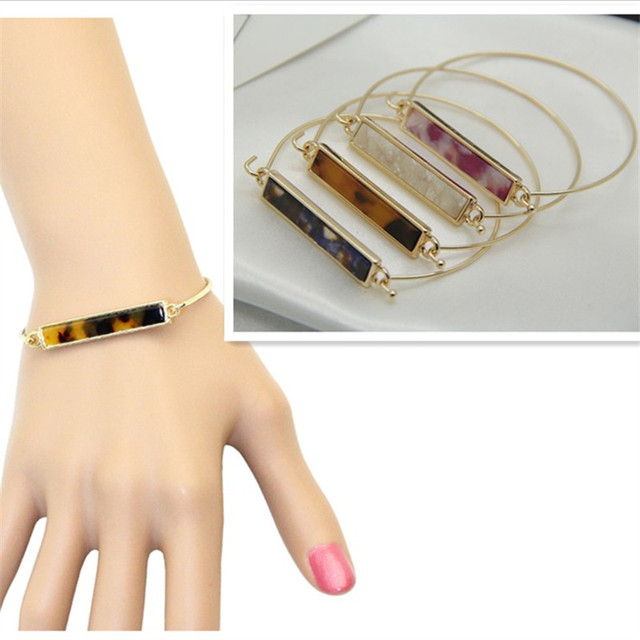 Fashion new style Texture contracted leopard print bracelet Opening female bracelet Girl EE58 birthday present
