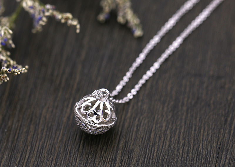 2018 New Sale Bell hollow design necklace female 925 silver Crystal from Austrian Fashion Jewelry For Woman Party