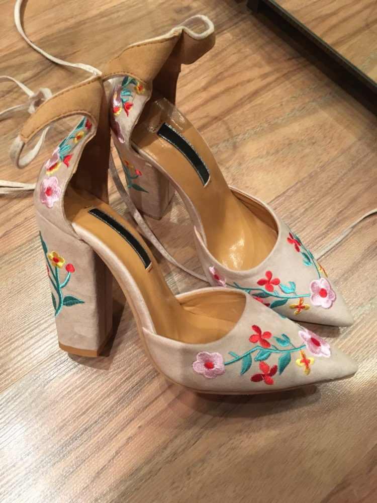 Moda 2018 süet ayakkabı Kadın Sandalet Oyalamak Yüksek Topuk Kadın Sandalet Etnik Çiçek Çiçek Parti Sandalias Zapatos Mujer