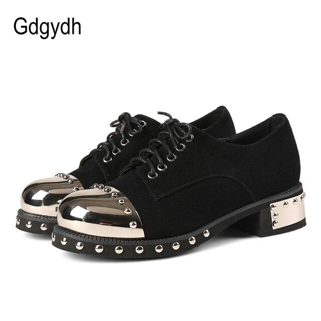Gdgydh sexy rebite feminino sapatos góticos mid heel metal decoração plataforma saltos senhoras bombas de couro genuíno saltos grossos rendas acima