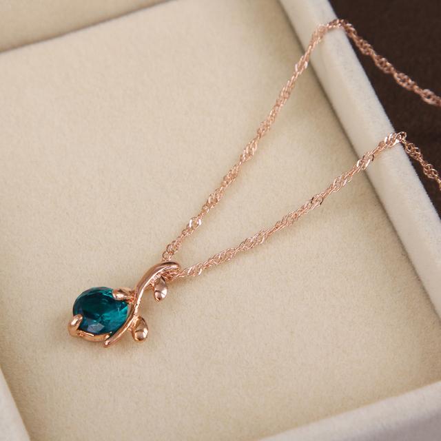 Elegant Flower Pendant Necklace Jewelry Set