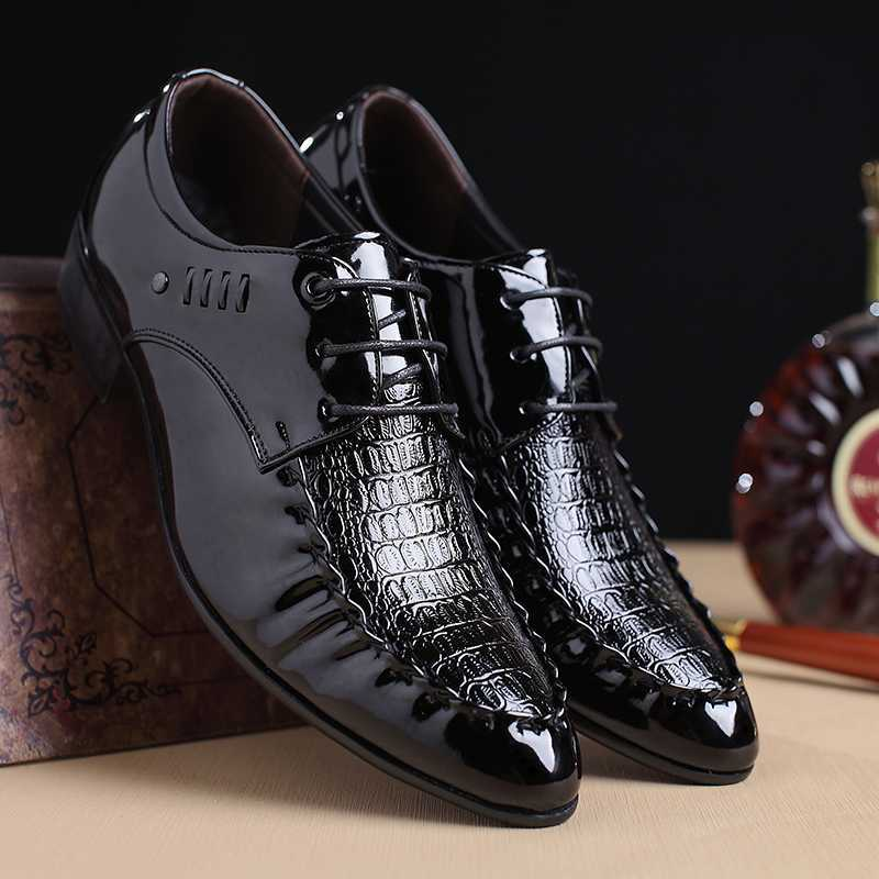 Men's Shoes 2018 New Fashion Style Designer Formal Mens Dress Shoes Genuine Leather Luxury Wedding Shoes Men Flats Office Shoes Lc2020 Clear And Distinctive