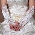 Longo Branco Ou Marfim Sem Dedos de Cetim Luvas de Casamento Frisado Luvas De Noiva para a Noiva 2017