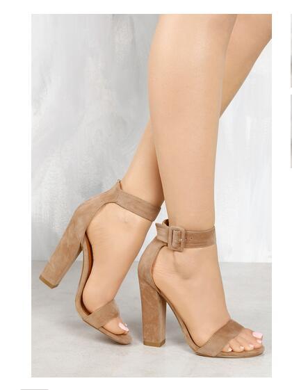 3c7d4b28d5 Nova 11 cm saltos altos quadrados casuais sandálias abertas do dedo do pé  aberto cinta toe fivela lace up mulheres sapatos Preto cinza Nu Vermelho e  Ouro ...