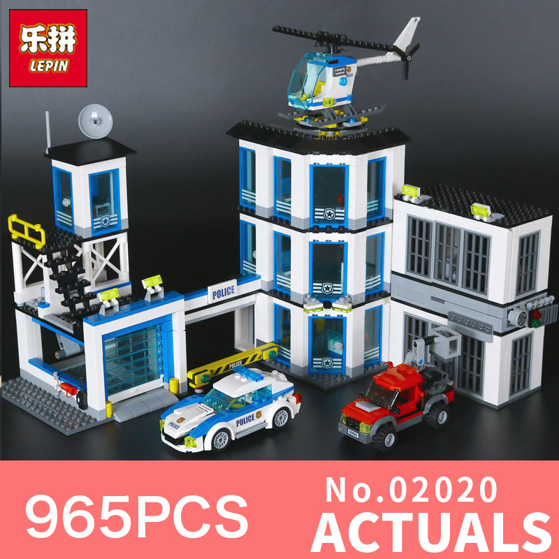 Lepin 02020 965Pcs City Series The New Police Station Set Children Educational Building Blocks Bricks Toys Model LegoINGlys60141 lepin 02006 815pcs city police series the prison island set building blocks bricks educational toys for children gift legoings