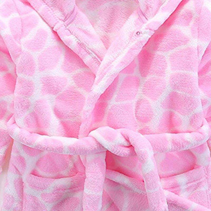 Flanellen kinderpyjama. De badjas met roze stenen blokpatroon. Roze - Kinderkleding - Foto 4