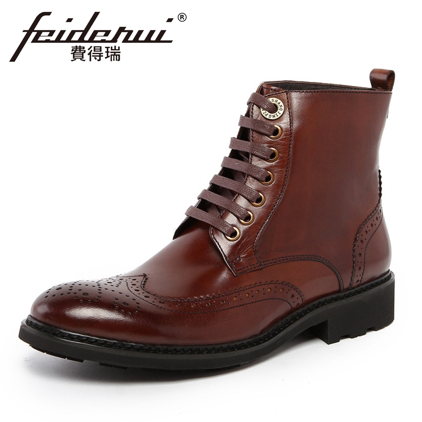 цены 2018 Vintage Genuine Leather Men's Carved Brogue Ankle Boots Round Toe Wingtip High-Top Handmade Cowboy Riding Man Shoes YMX409