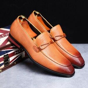 Image 2 - Formale schuhe männer Leder Frühling Herbst Oxford Faulenzer Atmungs Wohnungen Männer Sapatos Masculino Bequeme Schuhe zapatos de hombre