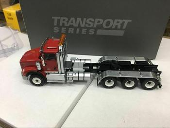 International HX620 Tridem Tractor 1:50 Metal Model By Diecast Masters DM71008