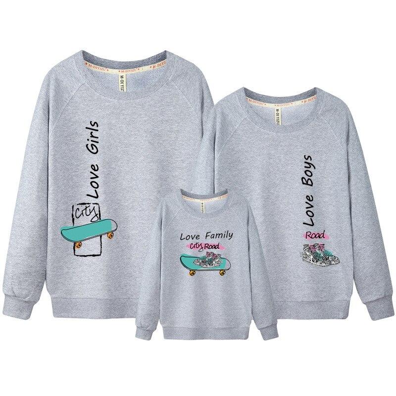 achetez en gros famille hoodies en ligne des grossistes famille hoodies chinois aliexpress. Black Bedroom Furniture Sets. Home Design Ideas
