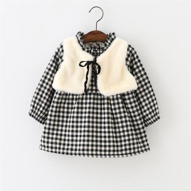 2 pçs/sets Meninas Roupa Do Bebê Terno xadrez Preto Vestido + Xale Faux Fur Colete Crianças Roupas Novo estilo Definido para inverno