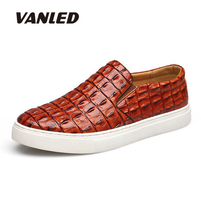 ФОТО new 2016 men loafers alligator shoes for men walk slip on casual shoes driving mocassins cool guys hio hop shoes plus size38-47
