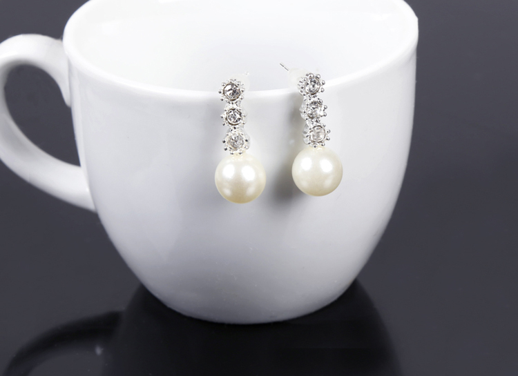 New Summer Style Imitation Pearl Earrings Personality Rhinestone Decoration Silver Fine Jewelry drop shipping Free Shipping