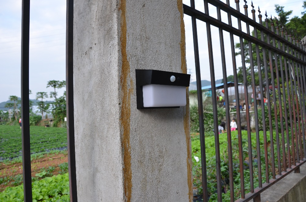 ФОТО high power solar motion light with 5w long work time of solar wall mounting led lamp