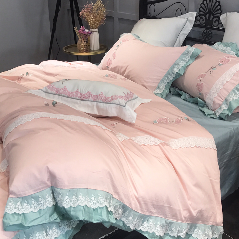 2018 Flowers Light Pink Bed Linens Queen King Duvet Cover Set Egyptian Cotton Bed Cover Embroidery Pillowcases Lace Border in Bedding Sets from Home Garden