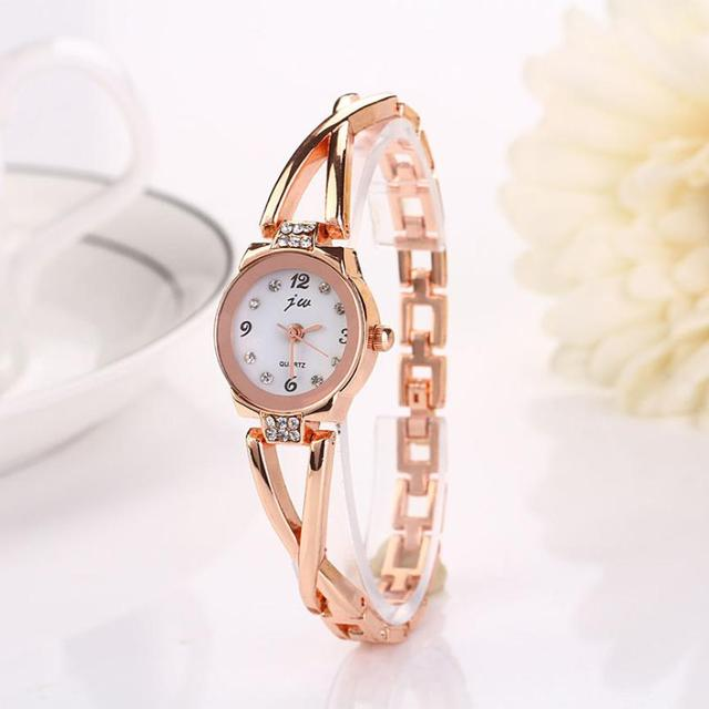 2018 hot sale Special Gifts Luxury Crystal Gold Watches Fashion Women Girl Brace