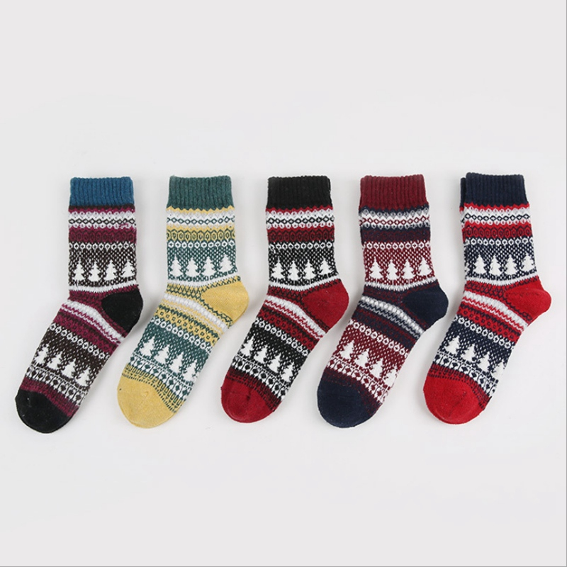 Woman thickening rabbit wool socks comfortable soft fashion retro Christmas tree fun tube casual socks womens Christmas gift