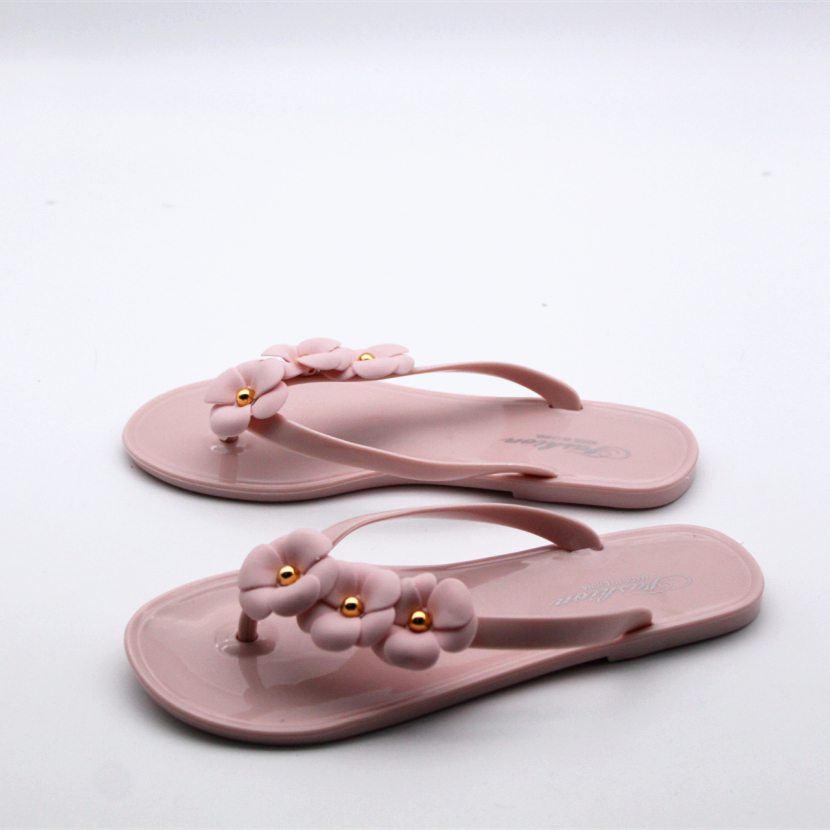 3d403bc8cad0 Cresfimix women casual beach flip flops female cute soft and comfortable  floral flip flops lady cool   leisure jelly flip flops -in Flip Flops from  Shoes on ...