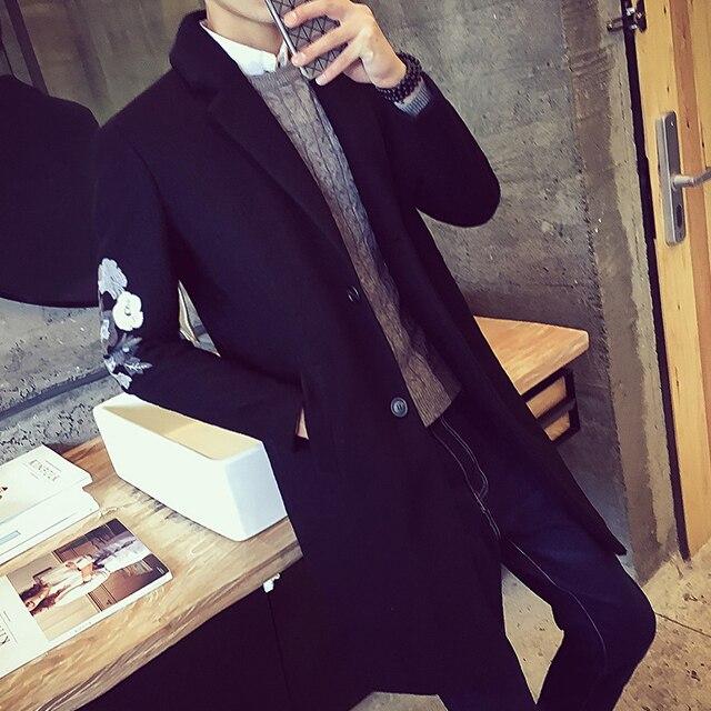 Yofaqc новая мода цветы Вышивка шерсть длинный плащ пальто Для мужчин пальто куртка ветровка шерстяные сплошной черный длинный плащ Для мужчин