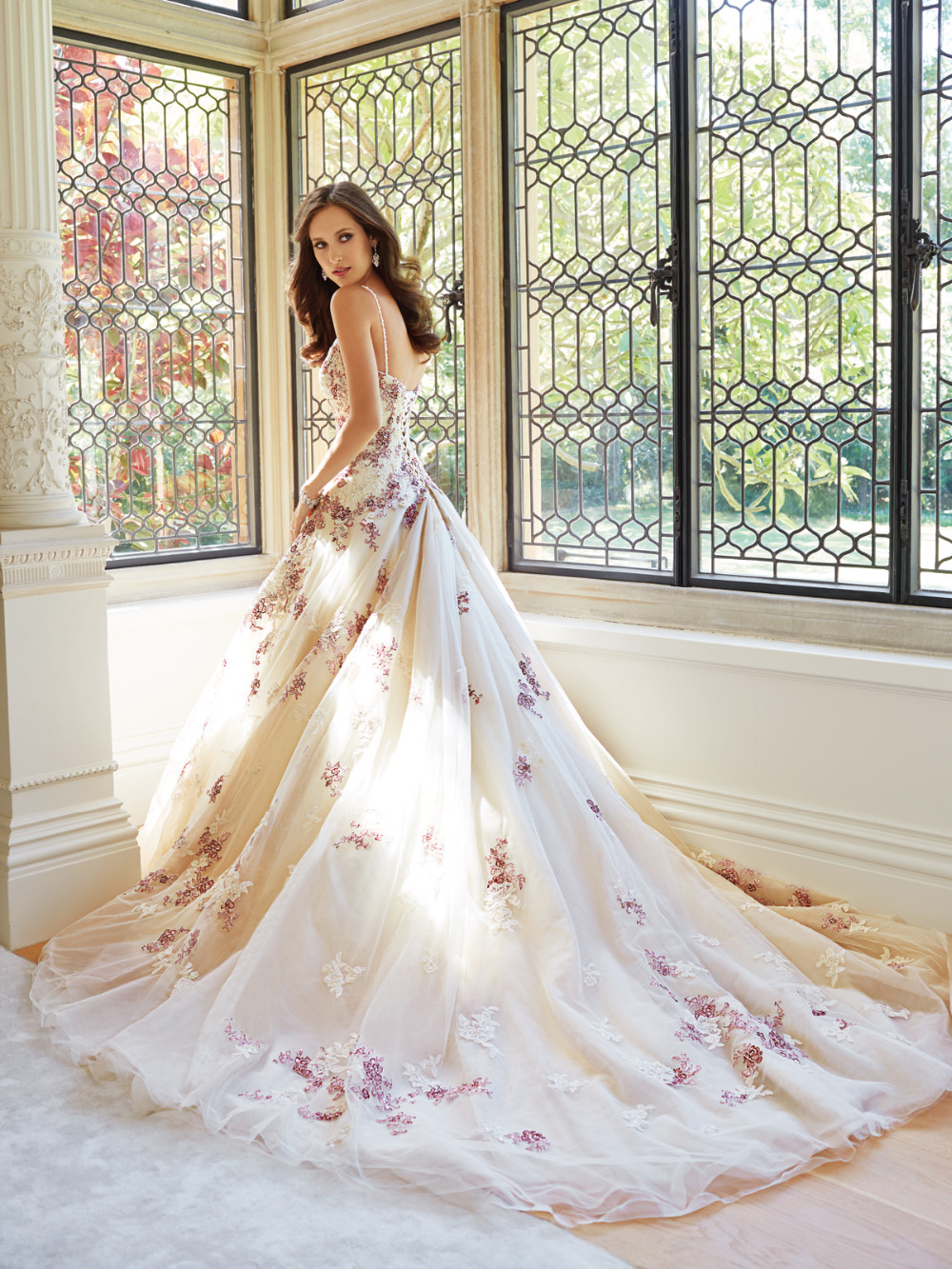 Vintage Multi Colored Wedding Dresses Lace Backless 2015 Women Vestidos  Novia Spaghetti Staps A Line Long Bridal Gown With Train In Wedding Dresses  From ...
