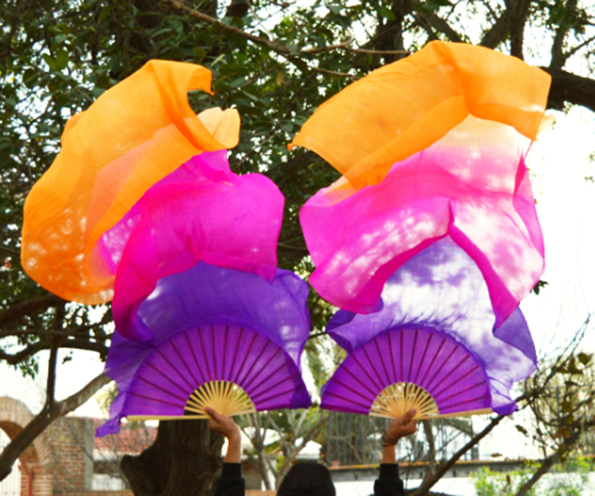 2018 female high quality Natural Silk Chinese 1 Pair of belly dancing fans 3 colors handmade hand dyed silk veils dance fans