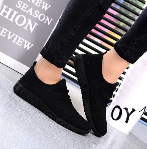 2019 חם נשים סניקרס פלטפורמת נעליים לנשימה קיץ חדש מקרית קל משקל נעליים להחליק על דירות שחור נטו נעלי נקבה