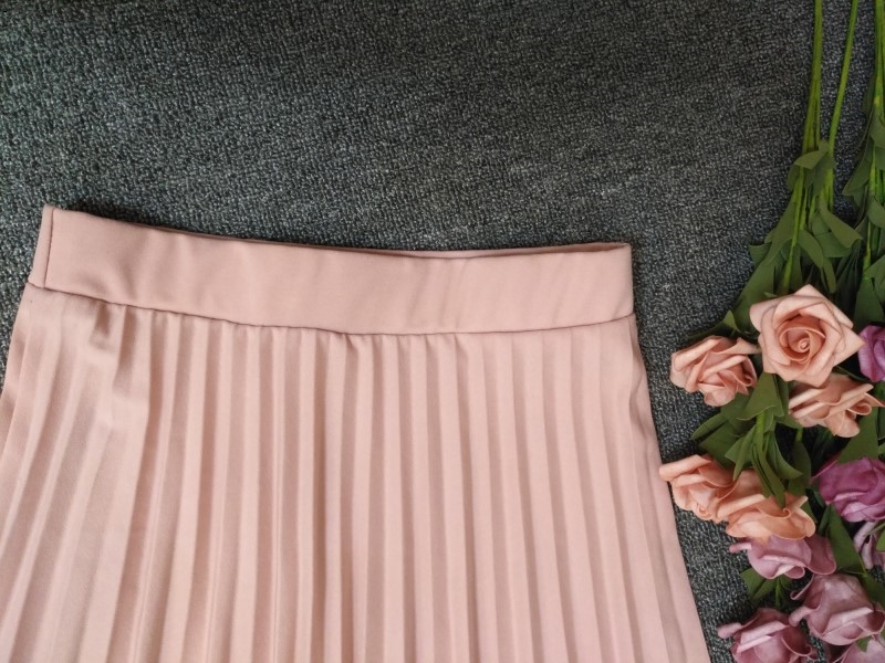 A-Line Pink Gray Black Pleated Skirt 3