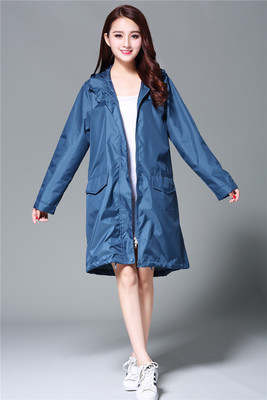fad7b9f7e5395 Moda portátil impermeable mujeres Sexy impermeable lluvia Ponchos chaquetas  engranaje ropa para Mujer Chubasqueros Mujer vestido