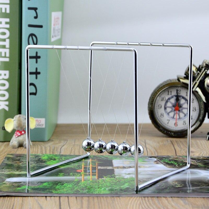 Newton Culla In Acciaio Balance Fisica Sfera Scienza Pendulum Enfeites Para casa Divertimento di Sviluppo Precoce Educativi Desk Decor Giocattolo