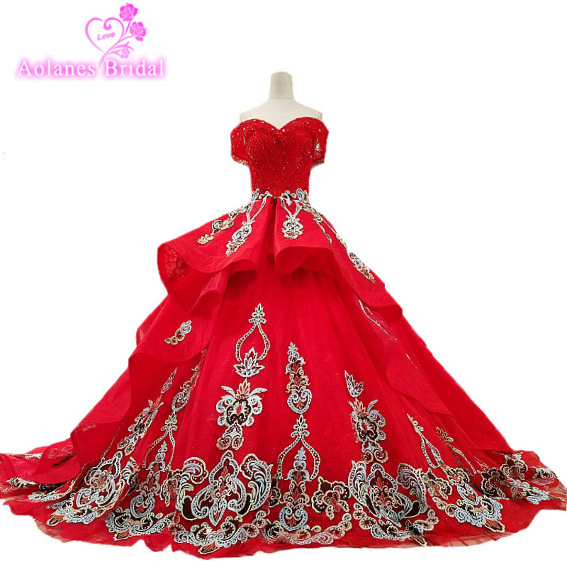 2018 Red Lace Sweetheart Sleeveless Cathedral Train Wedding Gowns Off The Shoulder Wedding Dresses Vestido De Noiva Real Photos