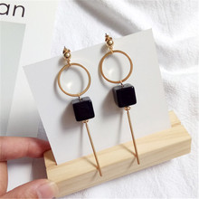Fine jewelry accessories woman earrings Simple metal circular gold earrings Black square acrylic accessories pendant earrings