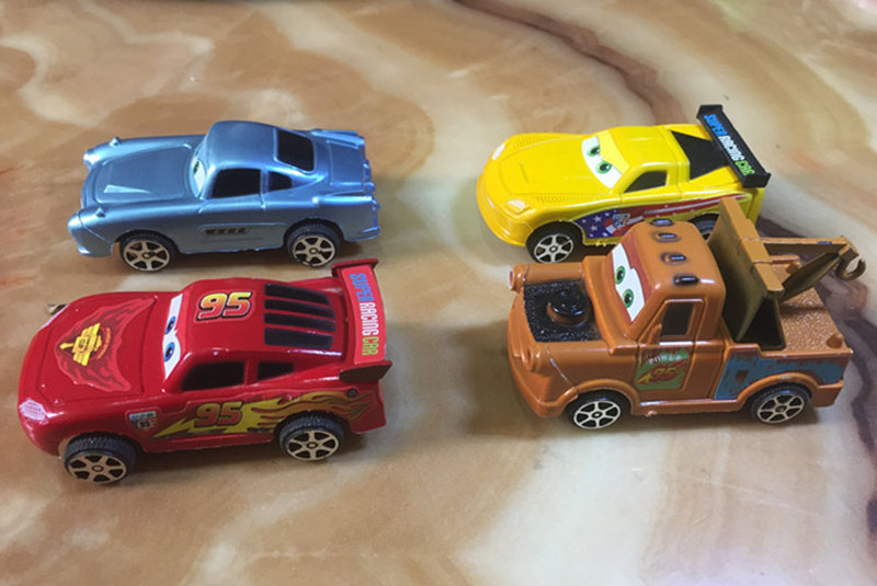 4PCS-Die-casts-Set-An-inertia-car-Alloy-Back-Model-Car-Suit-Baby-Children-Toy-Car-Hot-Wheels-Machines-Kids-Toys-3