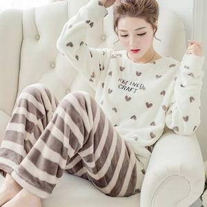 Image 1 - Herbst Winter Frauen Pyjamas Sets Korallen Fleece Nachtwäsche Warme Bademantel Nachthemden Kimono Pyjama Startseite Kleidung Korallen Fleece