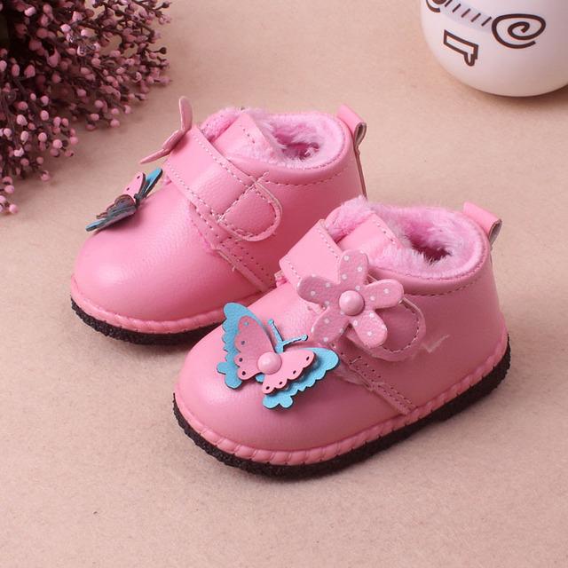 Invierno Bebé Zapatos de Las Muchachas Con El Arco Lindo Botas de Fondos Blandos Niños Zapatos Para Niños Toddler Flores Zapatos de Bebé de Terciopelo Engrosada Algodón