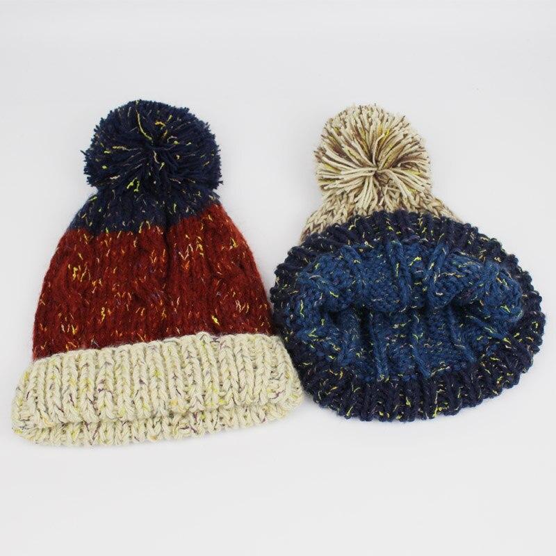 Mujeres Botones trenzas decoración punto gorros invierno de las mujeres  sombrero toca esquí Cap nueva moda e235b0909b0