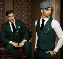 Fashionable One Button Green Groom Tuxedos Notch Lapel Groomsmen Best Man Mens Weddings Prom Suits Blazer(Jacket+Pants+Vest+Tie)