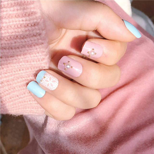 24 Pcs Pink Blue Press On Fake Nails With Lace Pearl Designs Short