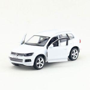 Image 3 - משלוח חינם/RMZ עיר צעצוע/Diecast דגם/1:36 סולם/פולקסווגן טוארג ספורט SUV/למשוך בחזרה רכב/חינוכיים אוסף/מתנה/ילד
